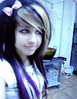 Cute Emo Girl Hairstyle Fashion