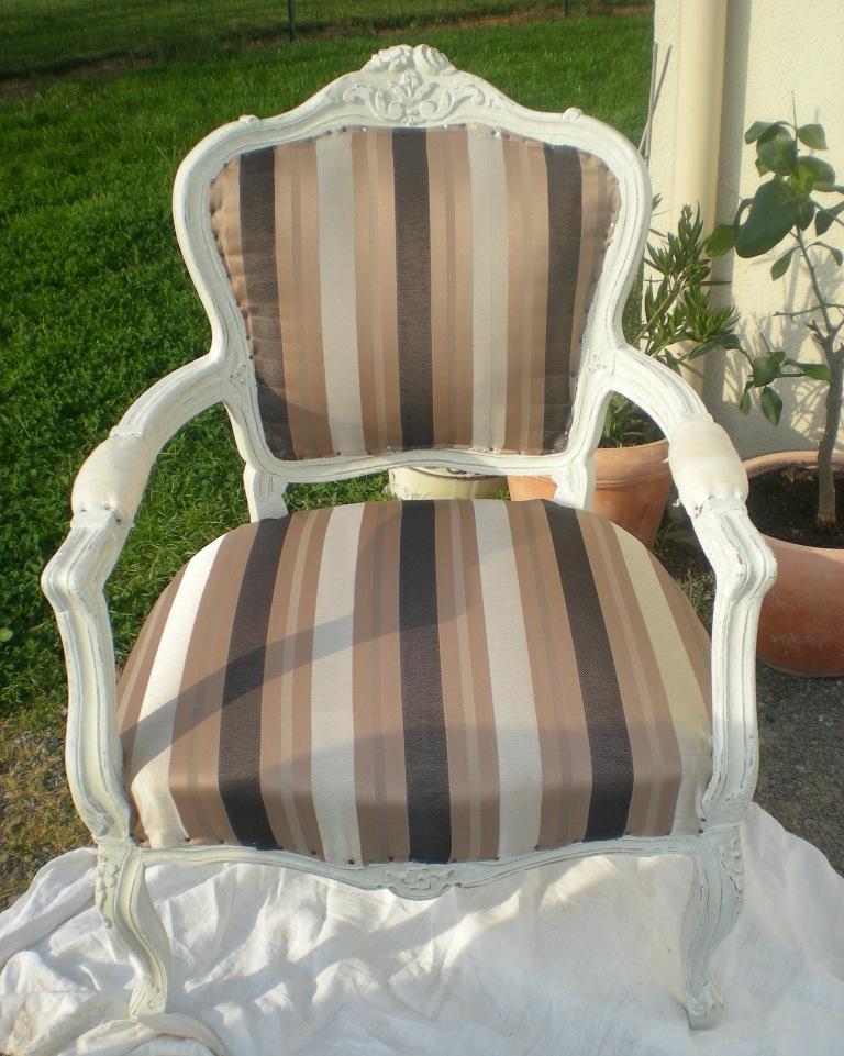 comment restaurer un fauteuil ancien fauteuil ancien restaur de bergres louis xvi de fauteuils. Black Bedroom Furniture Sets. Home Design Ideas
