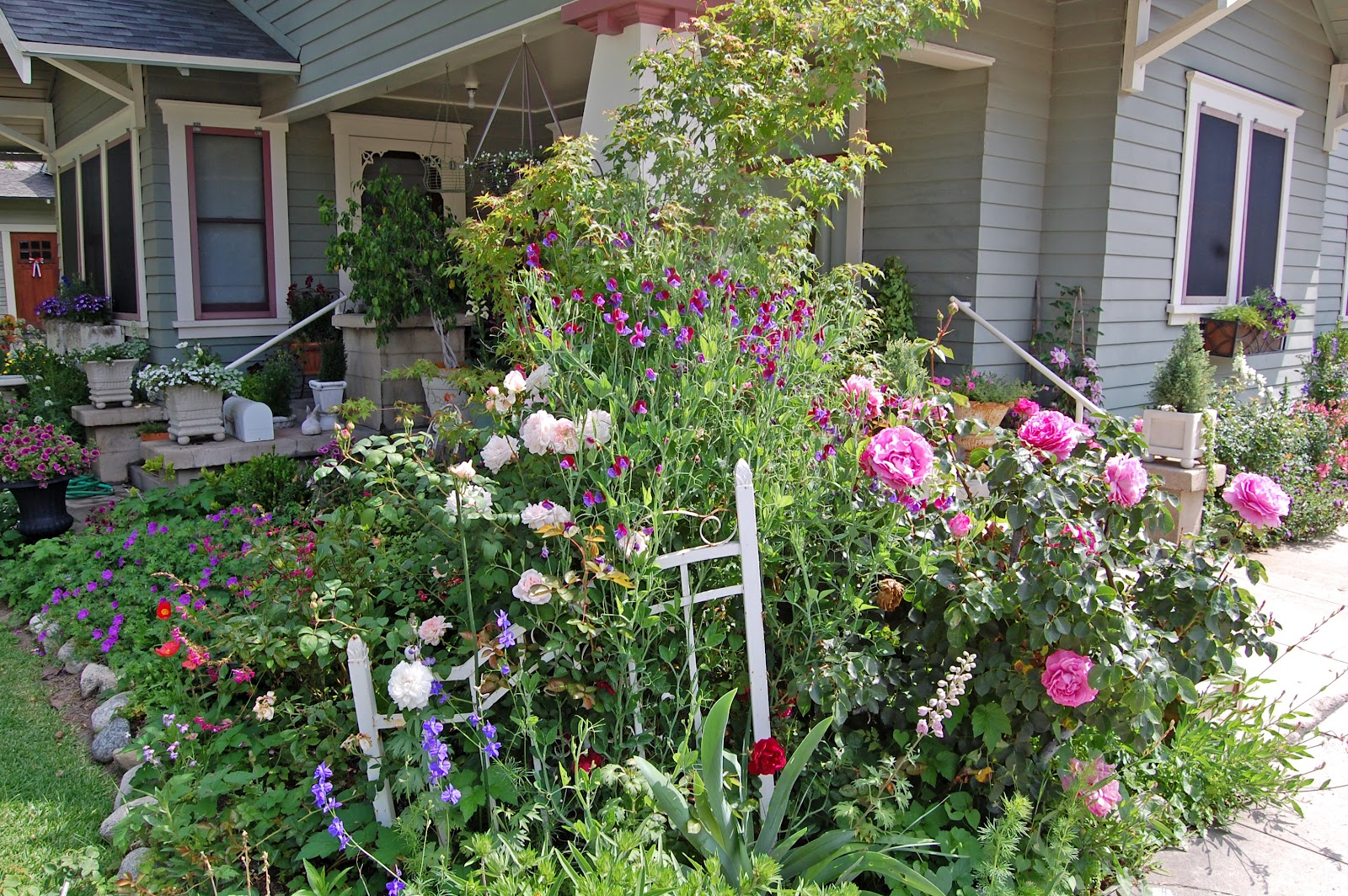 cottage garden tour - Front Yard Cottage Garden Ideas