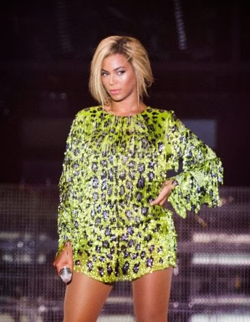 Jay Z, Beyonce React to Kanye West Rushing the Stage After ...