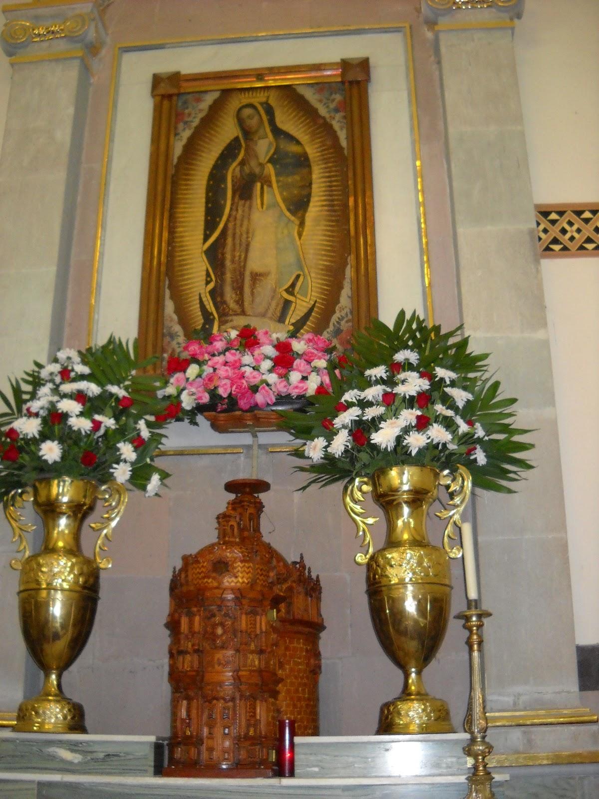 Decoracion Altar Para La Virgen ~ Altar en el santuario de la Virgen de Guadalupe en la parroquia de La