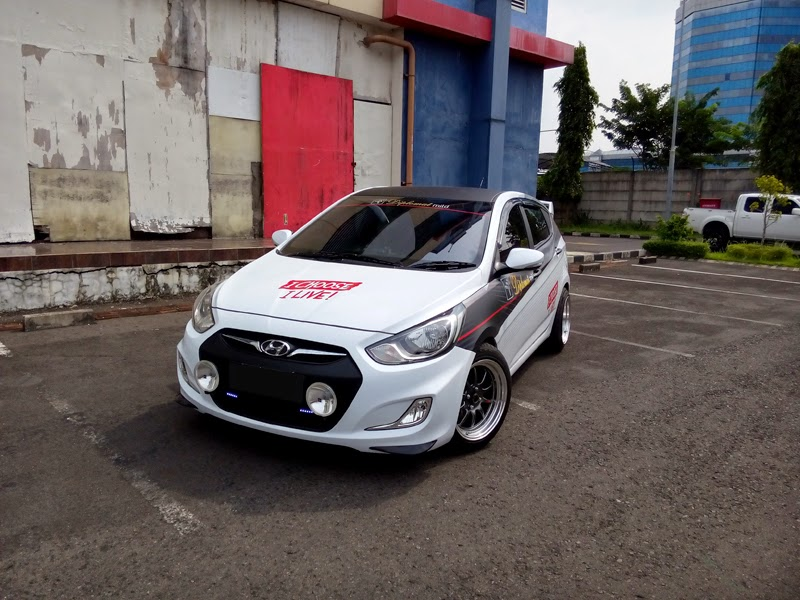 Modifikasi Mobil Hyundai Grand Avega Racing