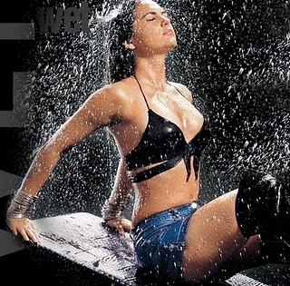 bollywood actress katrina kaif Hot wet and sexy bikini pic