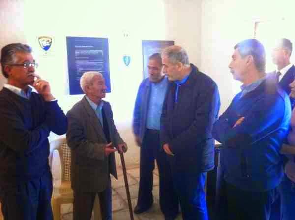 Συνάντηση των ευρωβουλευτών της Χρυσής Αυγής με συγγενείς πεσόντων Αγωνιστών της ΕΟΚΑ στον Αχυρώνα Λιοπετρίου