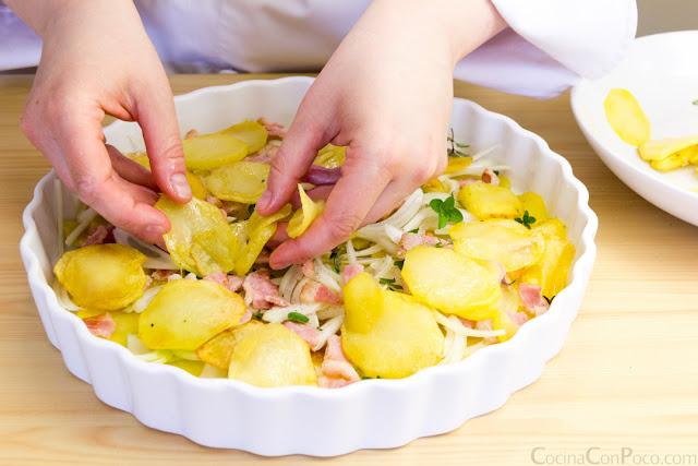 Pastel de patata, bacon y nata - Receta paso a paso