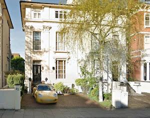 Casa onde funcionou durante os anos 60, o Escritório Central da APPLE RECORDS.