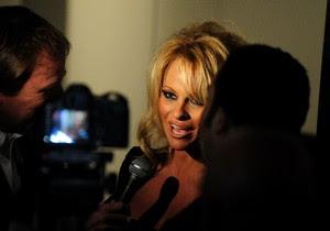 Pamela Anderson,  Xu Shaoshi, Hollywood, Hollywood News, Hollywood Movie News, Hollywood Movie Songs, Hollywood Movie Actors, Hollywood Film Reviews, Hollywood Actress