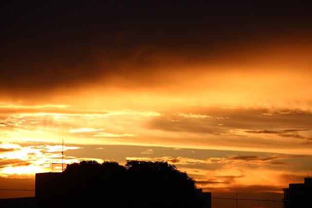 Belíssimo por do sol  de Goiânia em pleno Cerrado