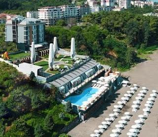 atik-otel-ünye-ordu-açık-yüzme-havuzu