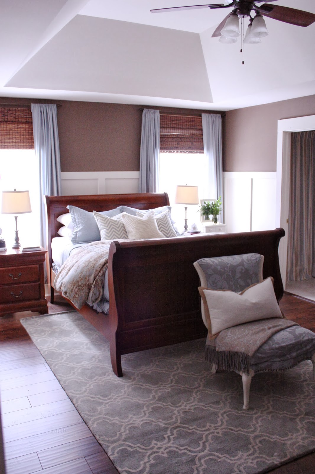 the yellow cape cod sentimental christmas in the bedroom. Black Bedroom Furniture Sets. Home Design Ideas