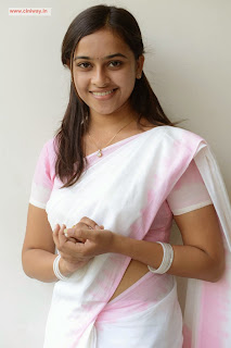 Sri-Divya-Cute-Stills-in-Saree