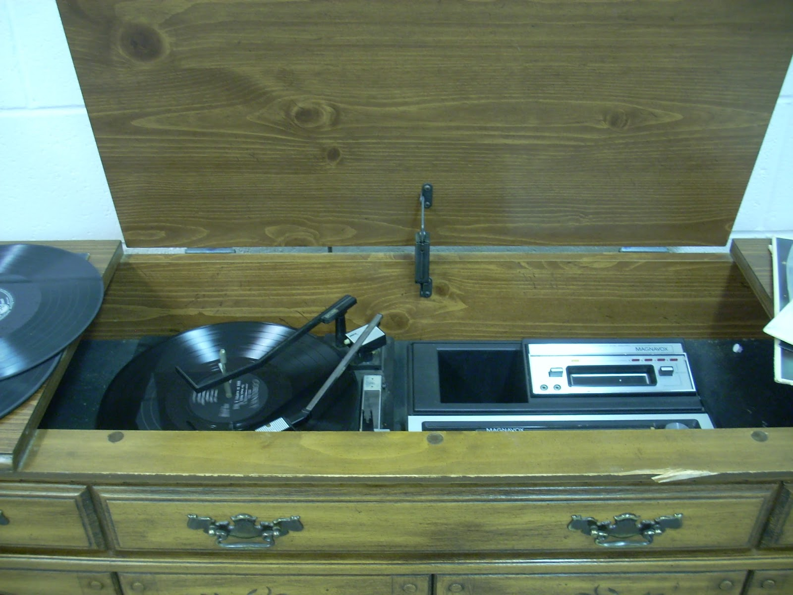 Restore News Vintage Room Now Open