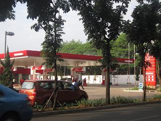 SPBU bekar Petronas menjadi Pertamina