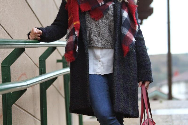 outfit_negro_rojo_invierno