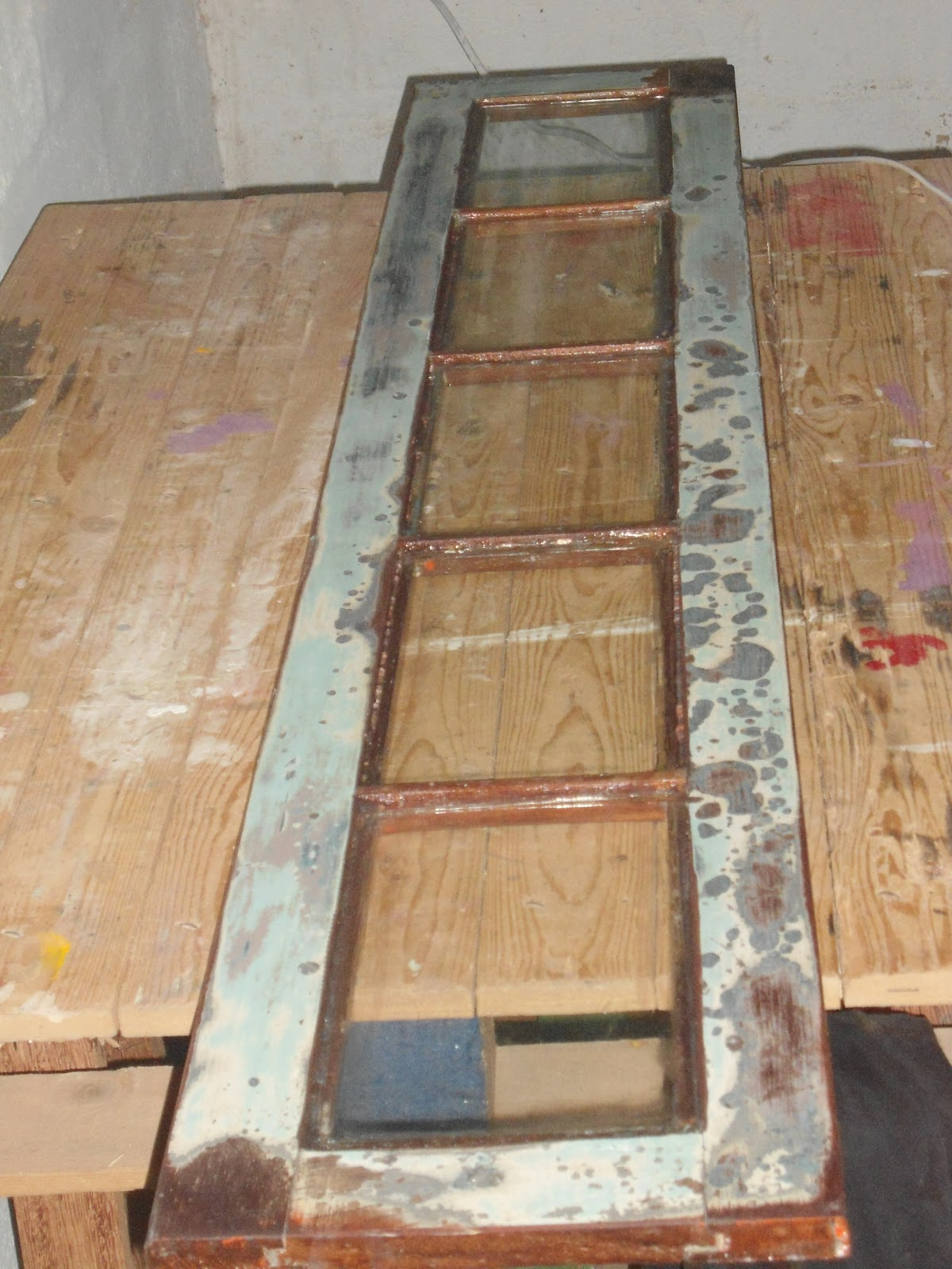 #8F5B3C  de ferro fundido com cara de renda que é claro recebeu muita tinta 1602 Vidros Para Janelas De Ferro