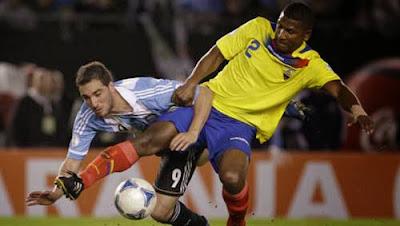Xem lại đầy đủ trận Argentina vs Ecuador