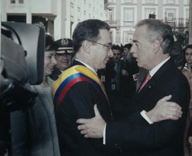 Uribe Vélez y Andrés Pastrana
