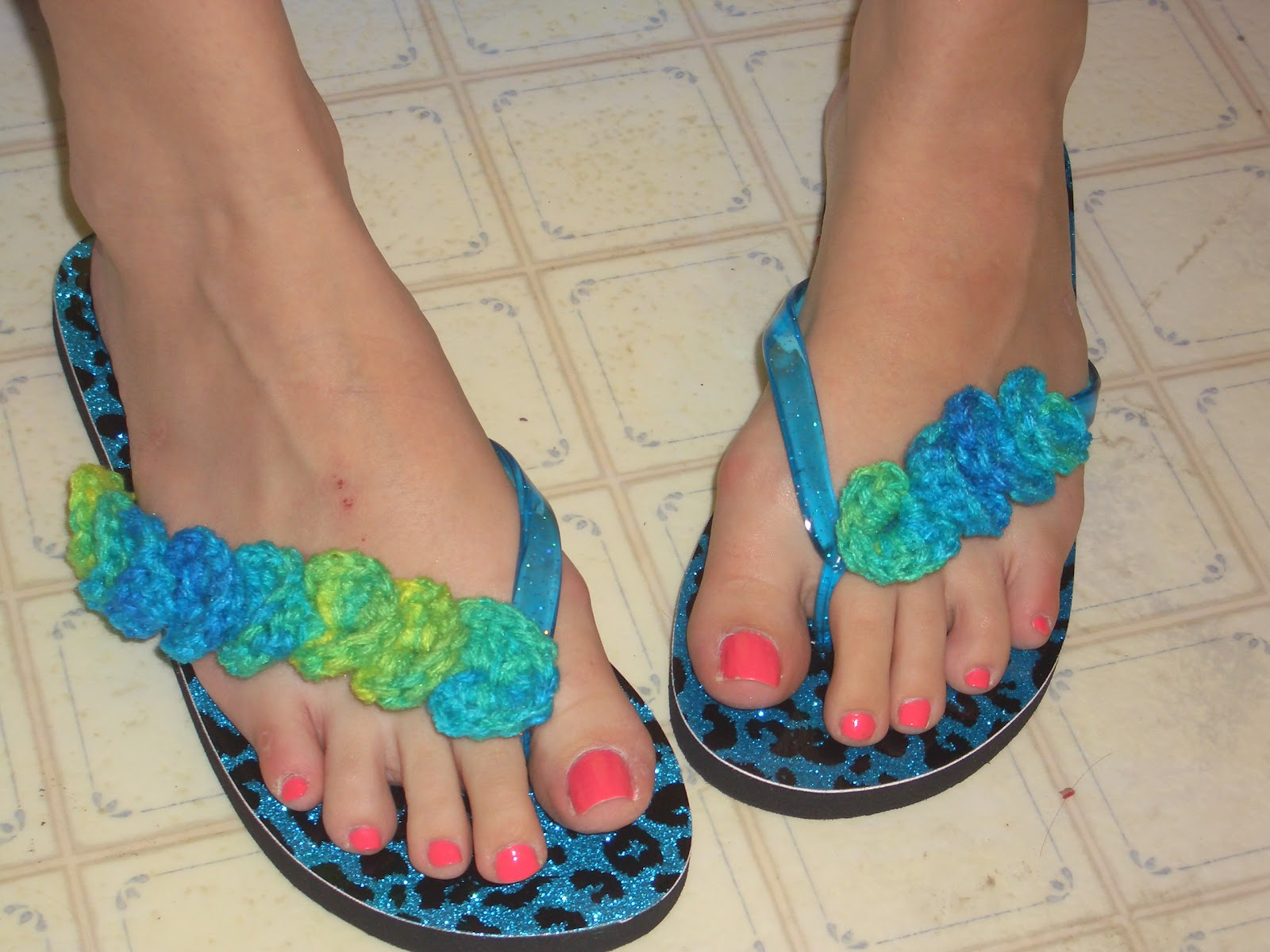 Crochet Patterns Using Flip Flops : Crochet Parfait: Crocodile Flip Flops Demo July 2, 2012