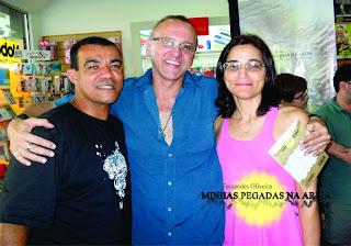 http://4.bp.blogspot.com/-N46DAPs3sqA/Tu58Ch1U4yI/AAAAAAAAXqU/tISjDcYGXWw/s320/Lan%25C3%25A7amento+Minhas+Pegadas+na+Areia++-+2011+-+070.jpg