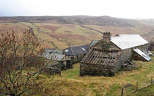 Want to Buy The Finest House Available to Humanity? - Withnail and I house for sale