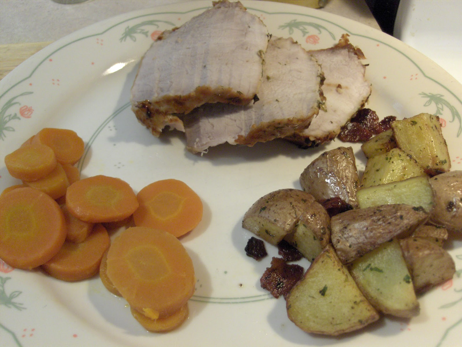 Dinner Tonight: Herb Crusted Pork Tenderloin w/ Roasted Red Potatoes ...
