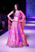 Kriti Sanon Latest Pictures at IIJW 2015-thumbnail-2