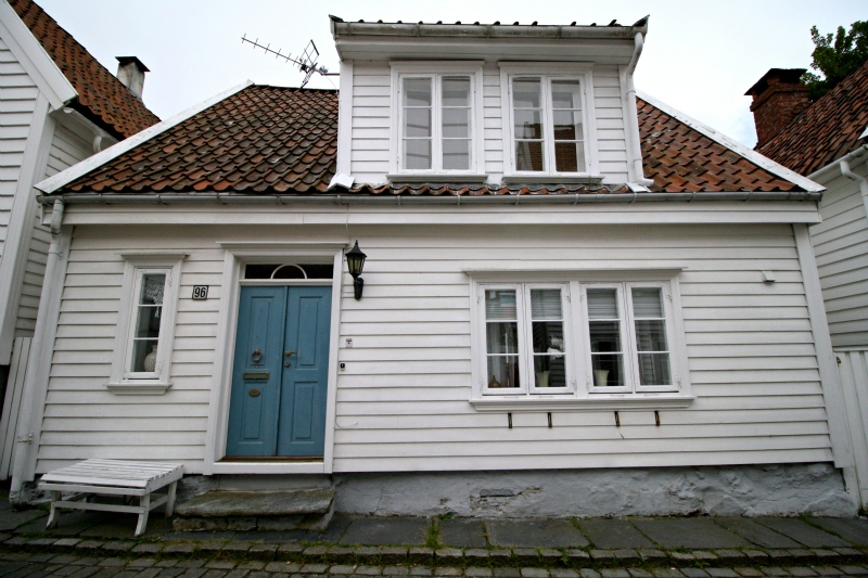 Casas Escandinavas De Madera Blanca Stavanger Noruega Casas De Madera  Blancas