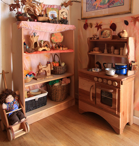 Moon to moon waldorf play rooms for Waldorf at home