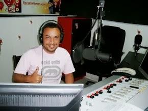 Paradão Sertanejo é na Tudo FM 96.1 - De Seg. à Sex. Das 05:hs às 07: hs