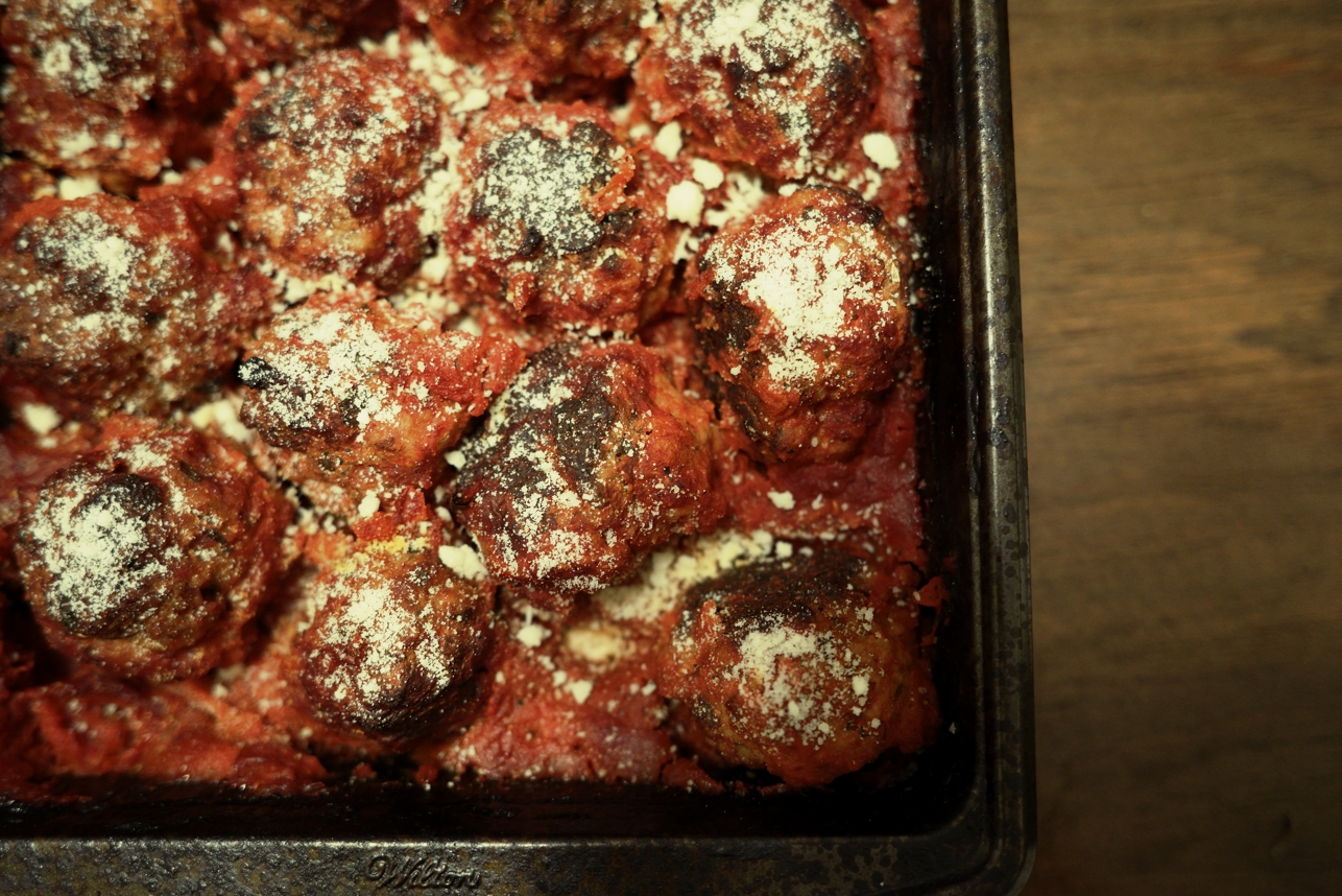 paper and plates: Ricotta Meatballs in Tomato Sauce