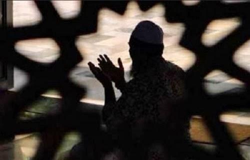 Membaca Doa Ini 100 Kali Bisa Membentengi Diri Dari Syetan