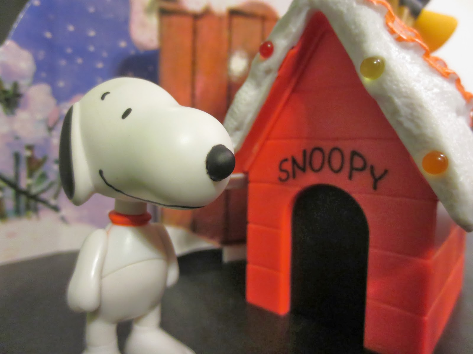 action figure review snoopys doghouse display from peanuts by forever fun