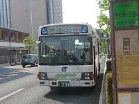 100円で市内循環バスが走っている。(300円乗り放題)