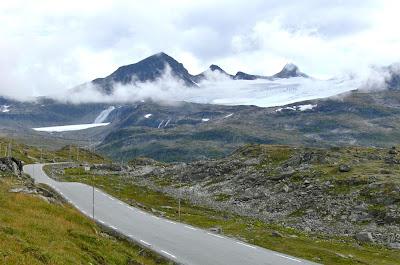 Estrada das montanhas Jotunheimen – Noruega