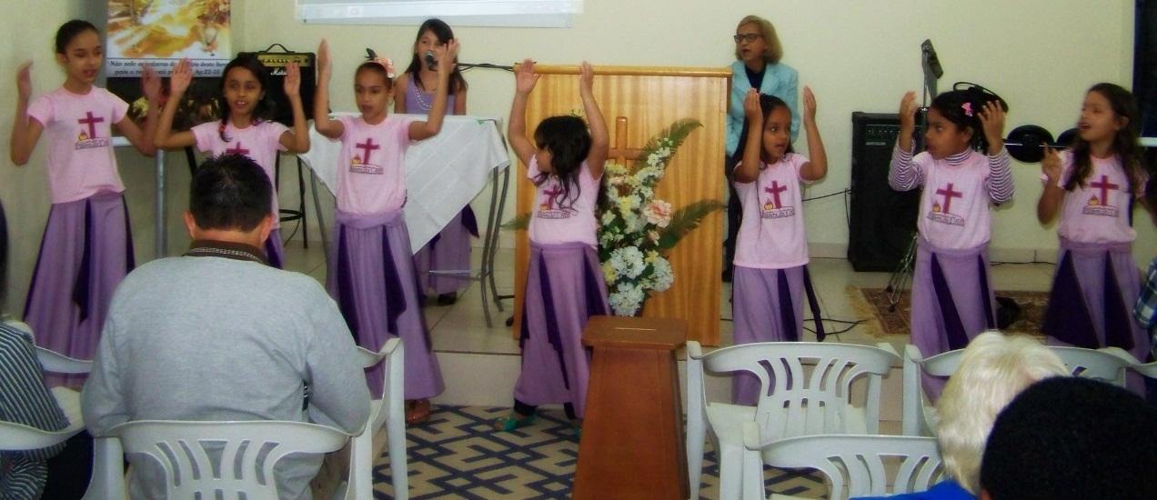 Culto especial com o Grupo Jóias de Cristo