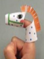 http://manualidadesparaninos.biz/marionetas-de-dedos-pajaro-raton-y-caballo/