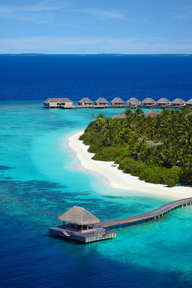 White sand beaches in Luxury Dusit Thani Resort in Maldives