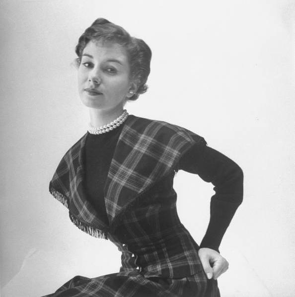 Classic Plaid #vintage #1940s #1950s #plaid #pearls #style