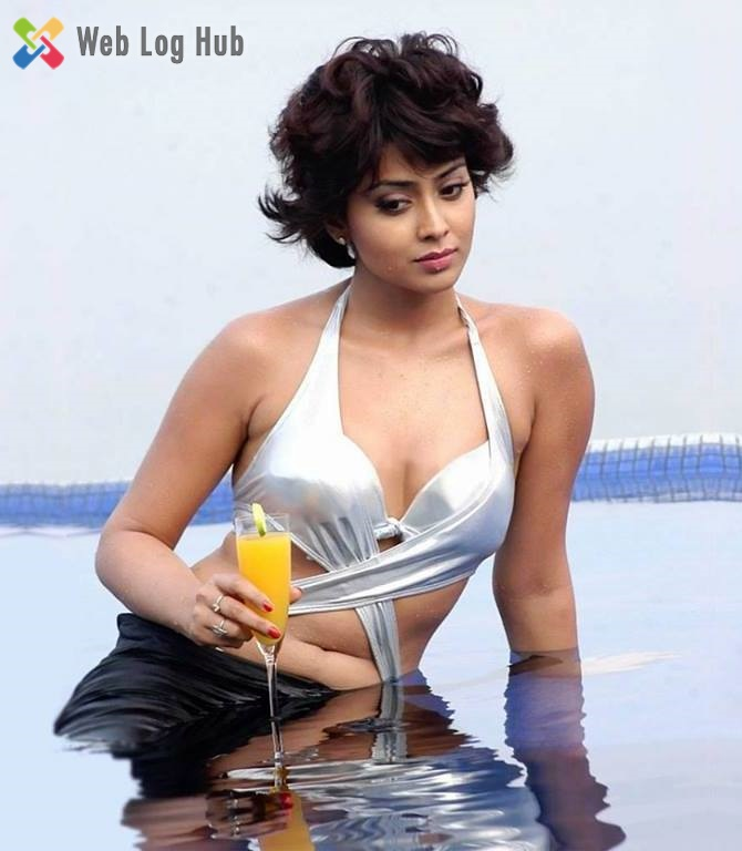 Sexy South Siren Actress Shriya Saran Hot in White Bikini Photo Still from a Tamil Movie - Web Log Hub