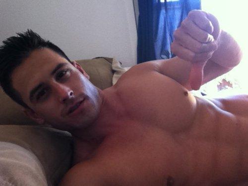 Hot Gay Men For Sex In Detroit, MI