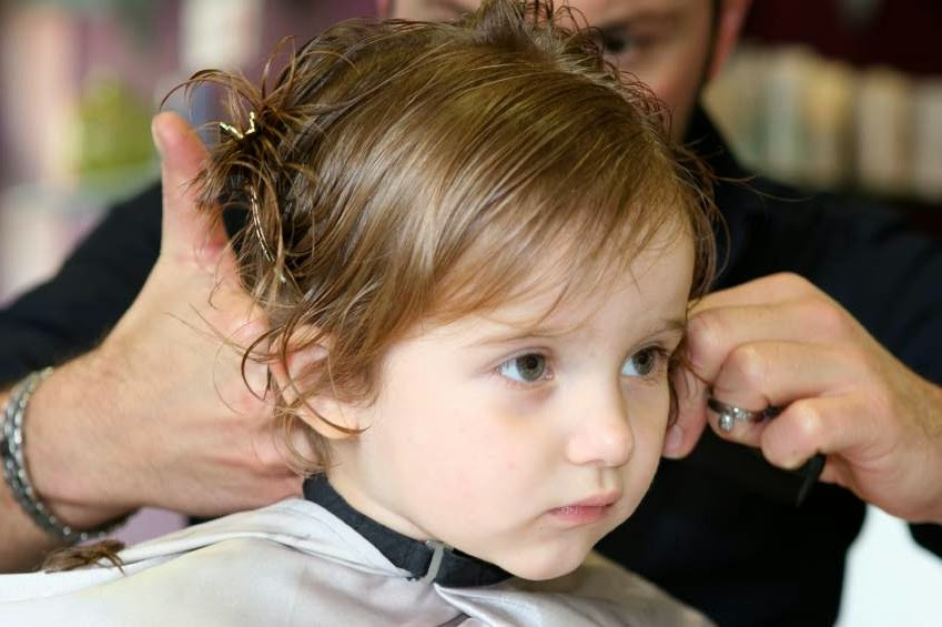 hairstyles for little girls with short hair for a wedding