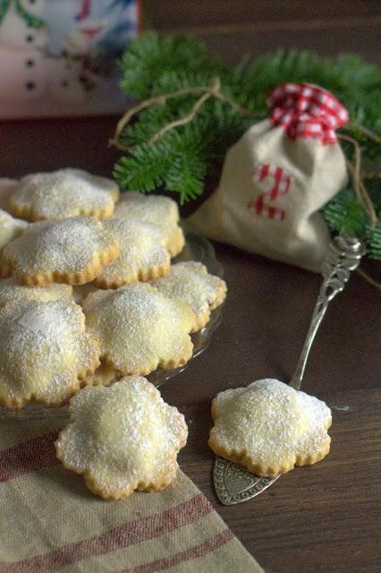 biscotti con ripieno di castagne e mirtilli rossi