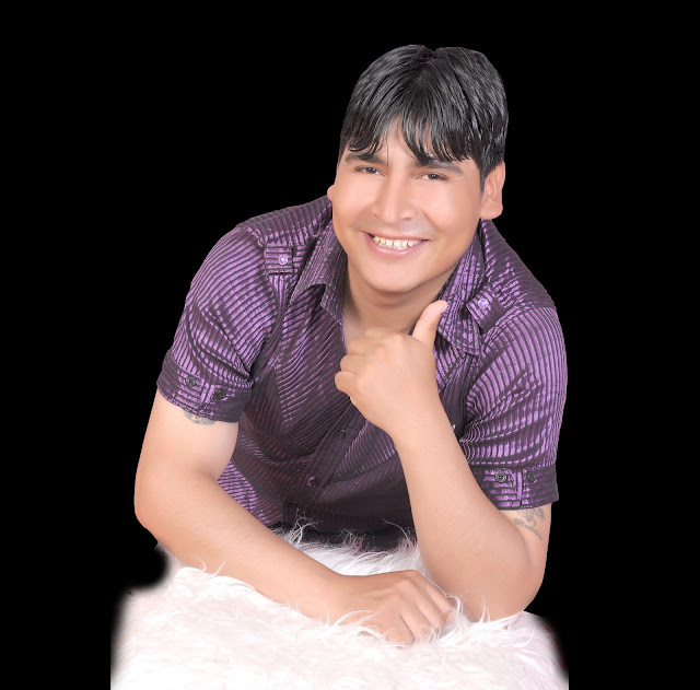 http://4.bp.blogspot.com/-N608CtYZw8o/UZetE8ckL9I/AAAAAAAAGuk/vhDupln1ab4/s1600/ronald-gutierrez-genio-de-america-huayno-cusco-peru-arpa-folklore-andino..png