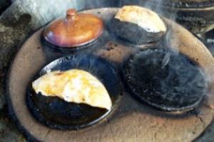 Khuôn bánh thường sử dụng bằng đất nung
