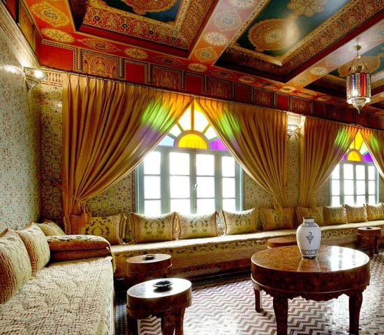 moroccan-decorating-ideas-ceiling-painting