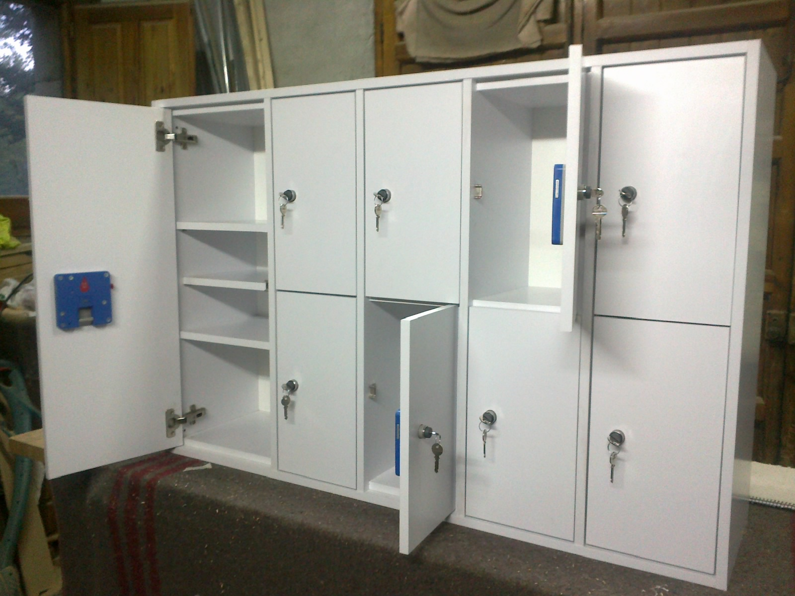Ofimobles mobiliario escolar taquillas monedero a medida for Mobiliario escolar medidas