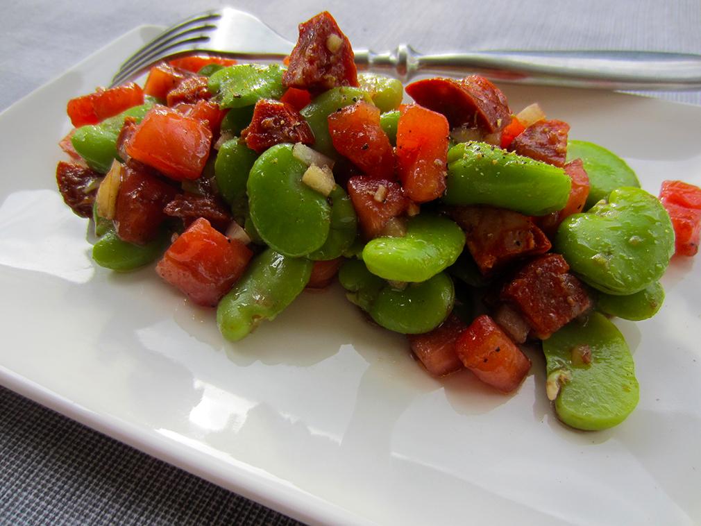 aux petits oignons salade f ves tomates chorizo. Black Bedroom Furniture Sets. Home Design Ideas