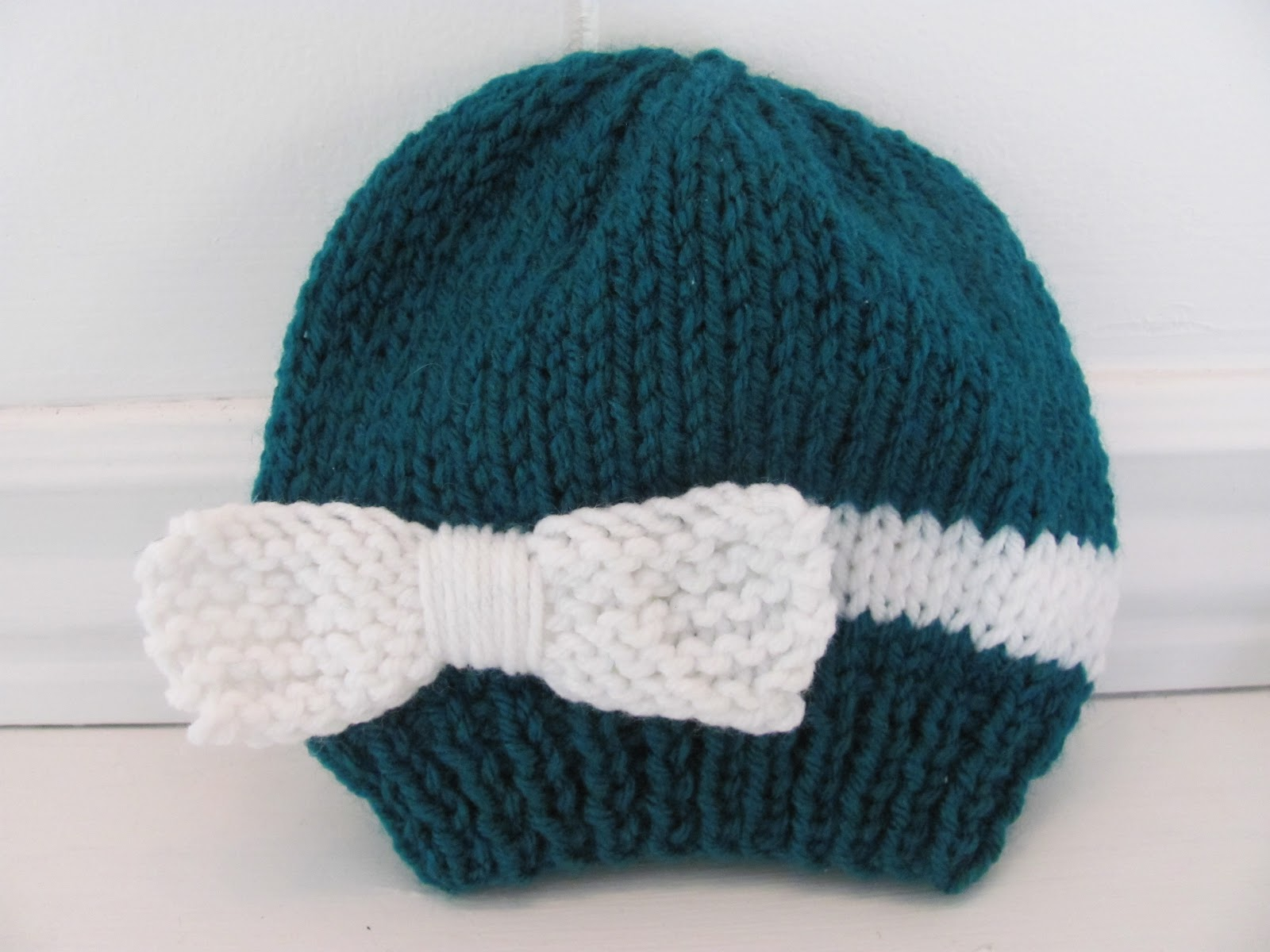 Baby Knitted Hat Patterns On Circular Needles : Twenty Something Granny: Knitted Baby Bow Hat