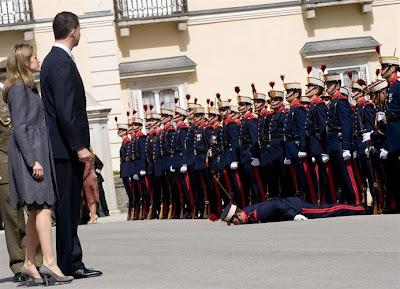 El desmayo de un miembro de la Guardia Real