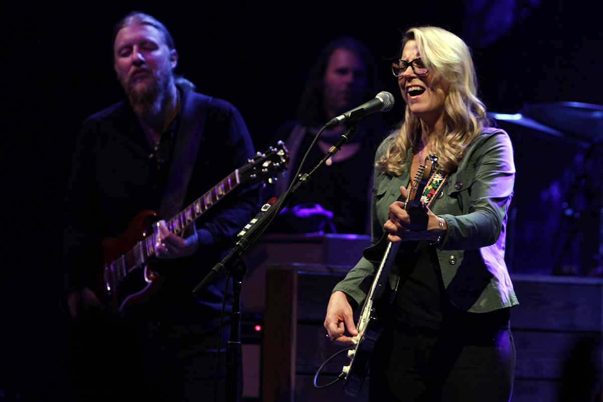 Bird On The Wire Tedeschi Trucks Band Rhode Island Pbs And Live Wiring Infinity Hall Celebrates Music Energy Of Groundbreaking American Artists Acoustically Perfect